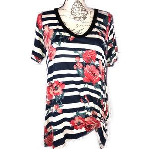 Floral Front Knot T-shirt, Medium